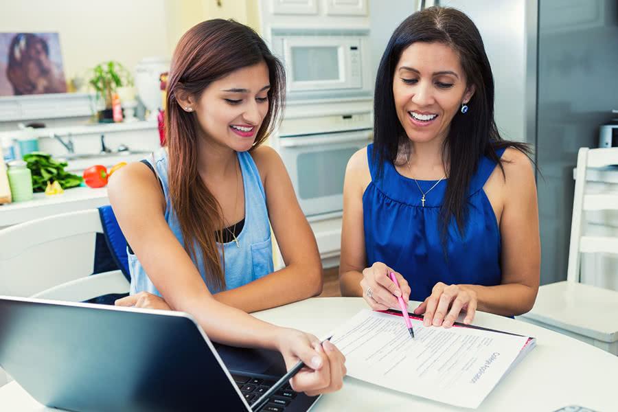 4 Elementary Tips for Setting a Teen's Allowance